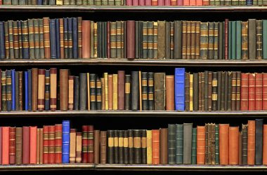 1-old-books-on-a-library-luoman